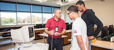 Biomedical Engineering Technology apprenticeship program students.