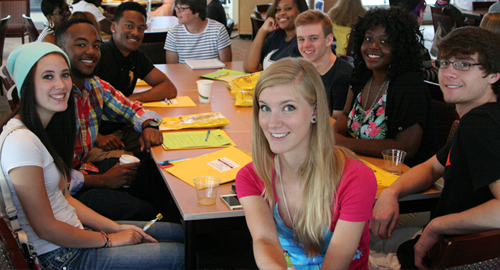 Student volunteers at New Student Orientation