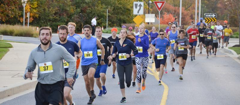 runners on the course at HCC 5k Challenge Race