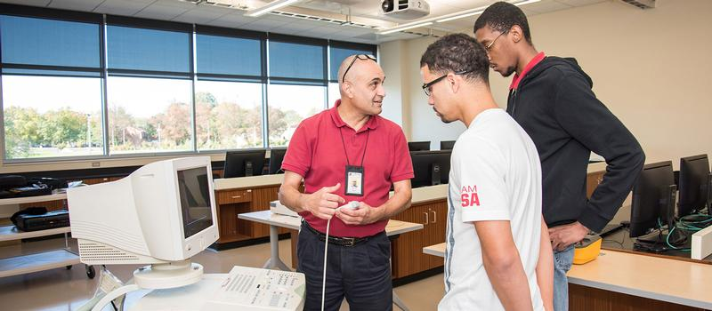 Students in the Biomedical Engineering Technology apprenticeship program.