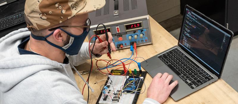 Electrical apprenticeship at HCC.