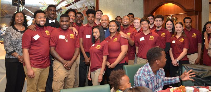 congressman cummings with HCC students at silas craft event